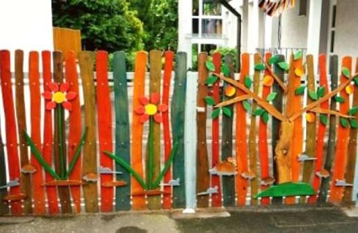 Как сделать забор для цветов своими руками